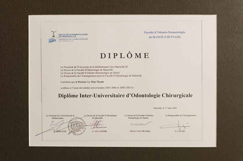 Diplôme Inter-Universitaire d'Odontologie Chirugicale của PHÒNG KHÁM CHUYÊN KHOA RĂNG HÀM MẶT DR.LEE